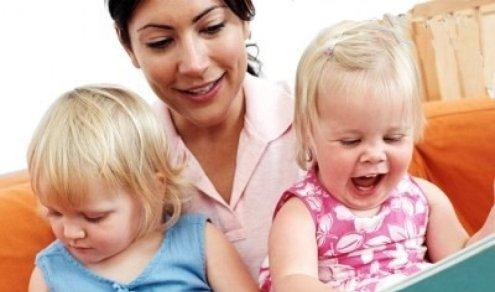 Anne Bakıcıyı Kıskanmamalı ve Rakip Olarak Görmemeli