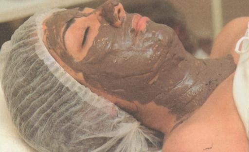 Çiller ve Lekeler İçin Arpa Maskesi