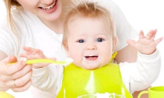 Anne sütünden ek besinlere geçiş dönemi