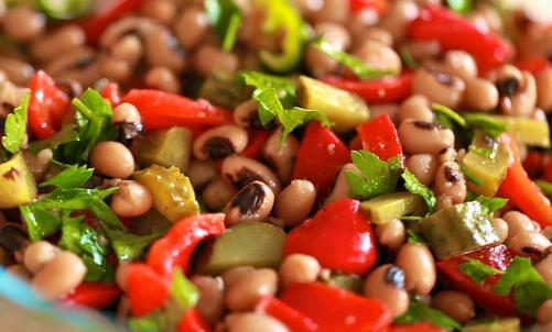 Ekşili Börülce Salatası Tarifi