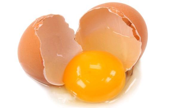 Kırışan Cilde Yumurta Akı Masajı