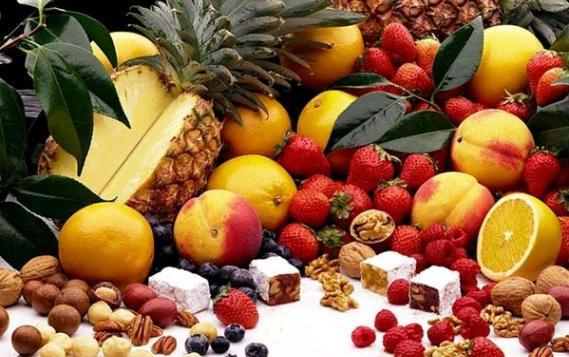 Yağlı Ciltler İçin Meyve Asitleri