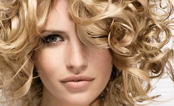 Saçları Şekillendirirken Daha Az Yıpranmasını Sağlayan Ürünler