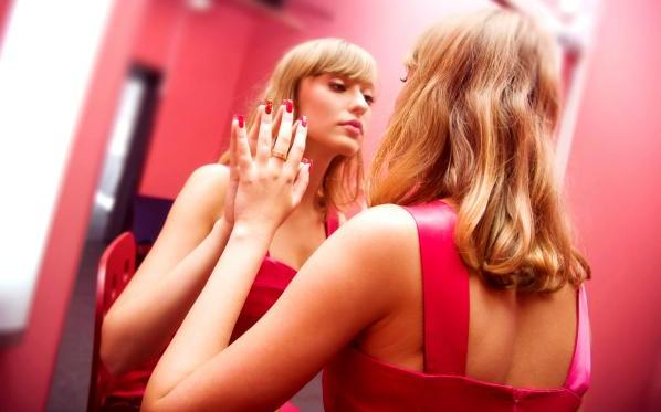 Bir tür kişilik bozukluğu olan narsisizm nedir?