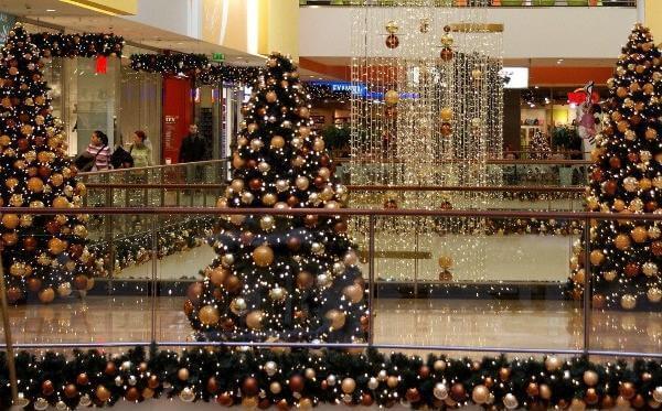 Alışveriş merkezlerinde yeni yıl coşkusu