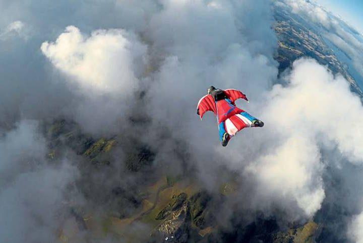 Wingsuit Sporu Yapmak (Havada Uçmak)