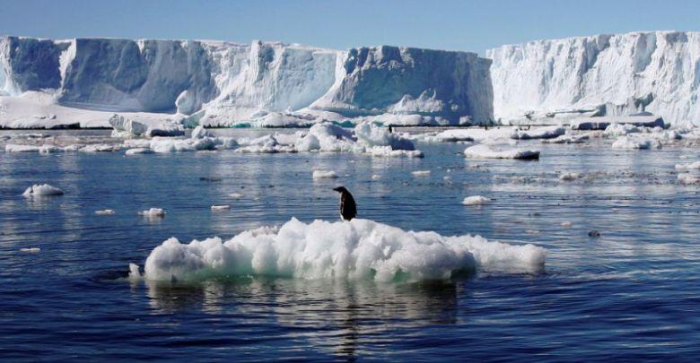 Arktika'nın buzları ve suları altında kalan dağ sıraları